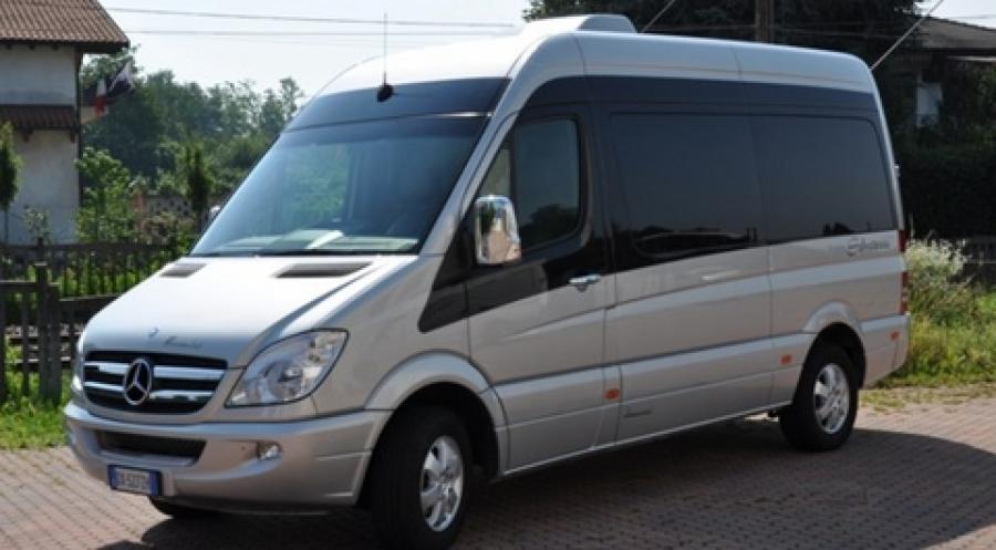 noleggio minivan 8 posti