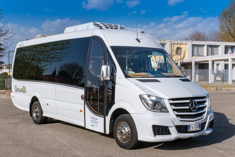 Noleggio Minibus 20 posti